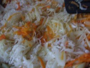 Тушеная капуста с фасолью