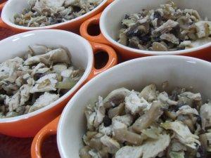 Жульен с грибами и куриным филе
