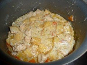 Тушеный картофель с курицей