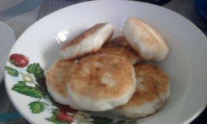 Сырники с изюмом и корицей