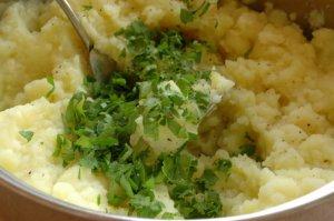 Картофельное пюре с печеным чесноком