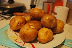 Картофель с базиликом и оливковым маслом  в духовке