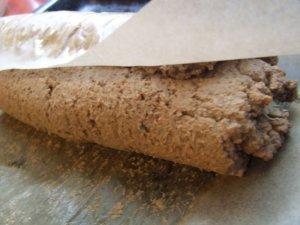 Печеночный рулет с черносливом и грецкими орехами