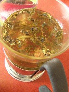 Желе из зеленого чая и киви