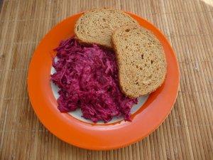 Салат из свеклы с майонезом и чесноком