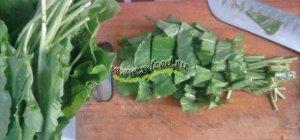 Зеленый борщ с щавелем