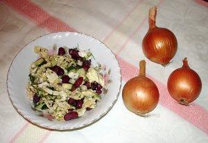 Cалат из савойской капусты и фасоли